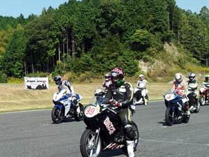 10月20鈴鹿ツインサーキットCBR250Rカップ第3戦