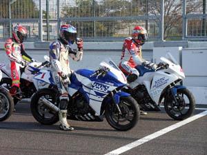 10月27日鈴鹿全日本併催CBR250Rカップ